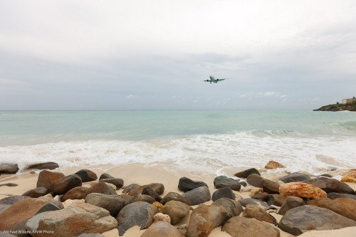 Aircraft landing, Sint Maarten (Photo: Michael Willems)