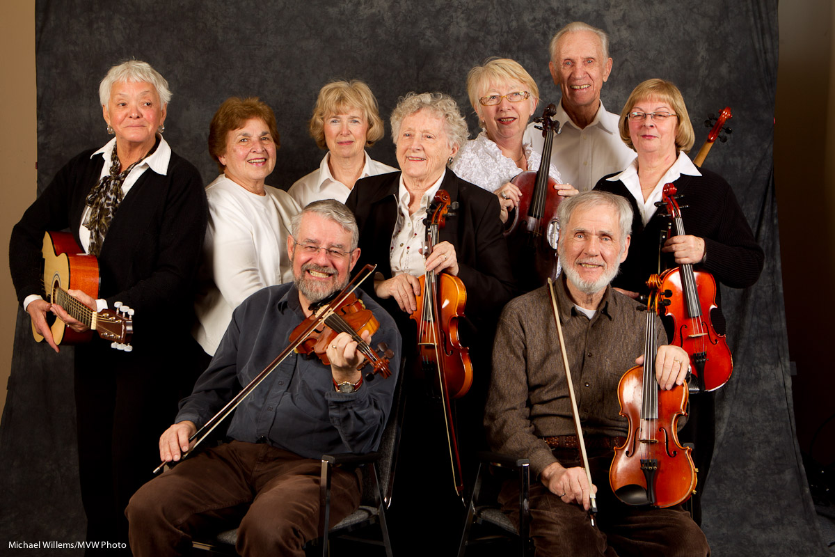 A group of fiddlers (Photo: Michael Willems)