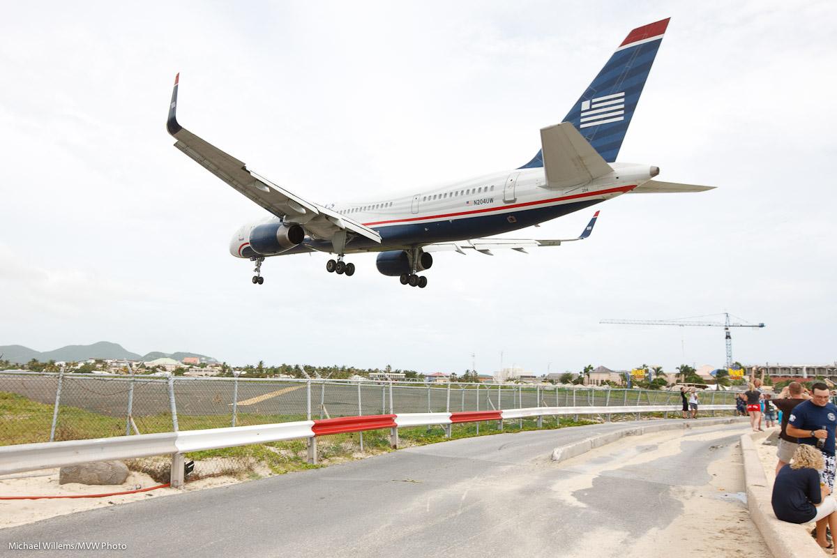 Aircraft landing, Sint Maarten (Photo: Michael Willems)
